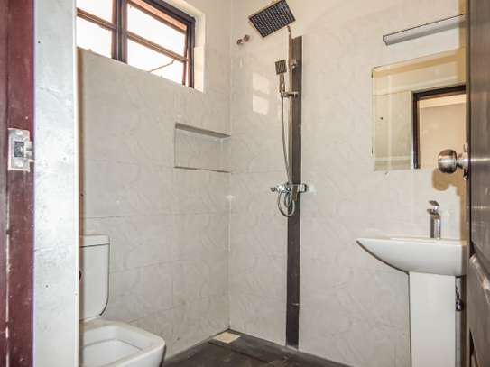 2 bedroom apartment for sale in Ruaka image 13