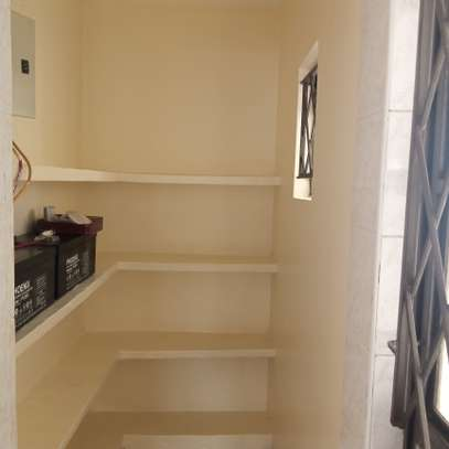 2 bedroom apartment for rent in Lavington image 4