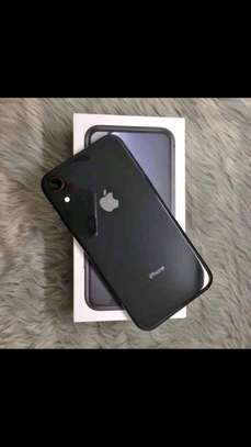 Apple IPhone Xr And Airpods 256 Gigabytes Black image 2