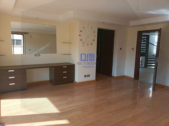 5 bedroom house for rent in Spring Valley image 18