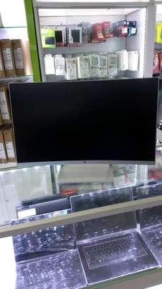 hp 27 curved IPS Display LED Wight image 1