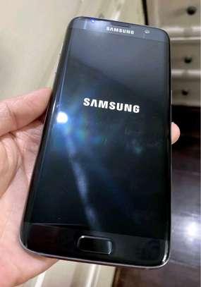 Samsung Galaxy S7 Edge ~ 128Gigabytes  Black image 1