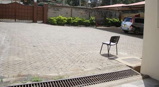 15035 ft² commercial property for rent in Upper Hill image 6