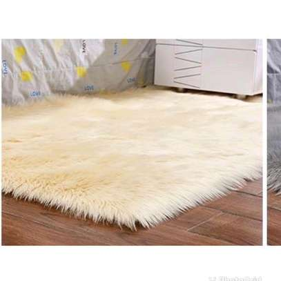 SOFT FLUFFY BEDSIDE MAT image 4