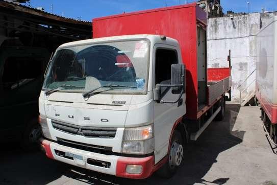 Mitsubishi Fuso image 5