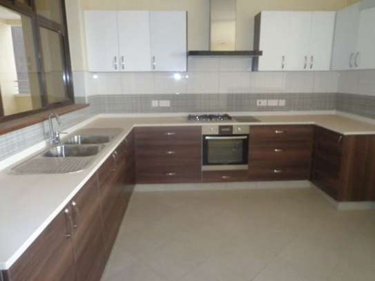 3 bedroom apartment for rent in Parklands image 5