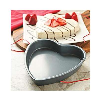 Non stick love/ heart baking tins image 1