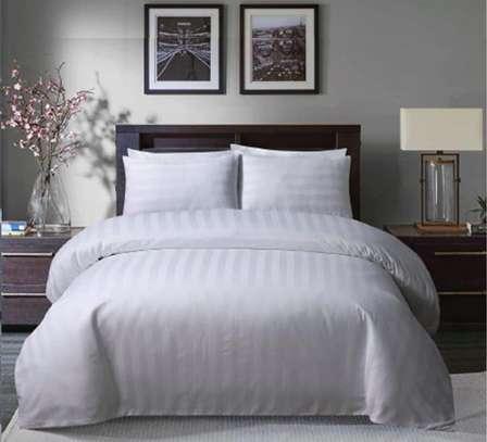 Duvet Cover + 1 Bedsheet, 2 Pillow Cases image 1