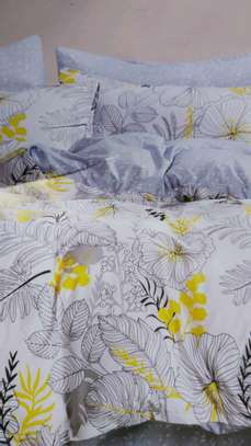 Binded duvet with 1 bedsheet n 2 pillowcases 6*6 image 9