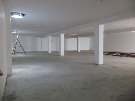10000 ft² warehouse for rent in Juja image 8