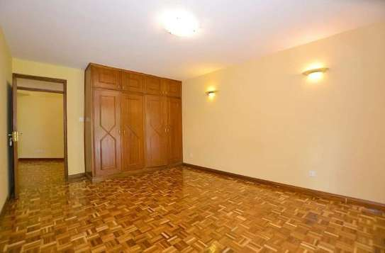 2 bedroom house for rent in Rosslyn image 6