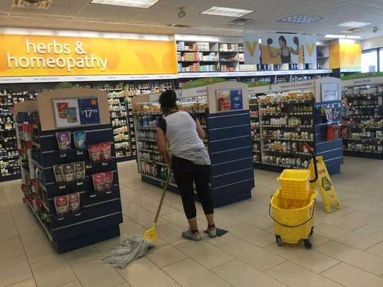Supermarkets cleaning service image 1