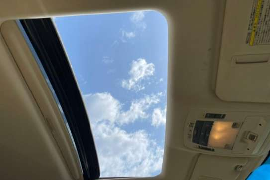 Lexus RX 270 image 9
