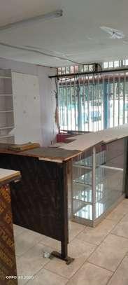 900 ft² shop for rent in Karen image 6