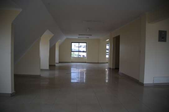 15035 ft² commercial property for rent in Upper Hill image 9