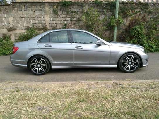 Mercedes-Benz C200 on sale image 11