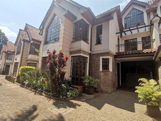 CLEAN AND SPACIOUS 5BEDROOM TOWNHOUSE WITH DSQ image 2