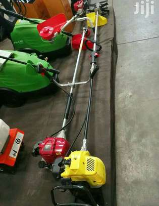 BRAND NEW 4 IN 1 BRUSH CUTTER. image 6