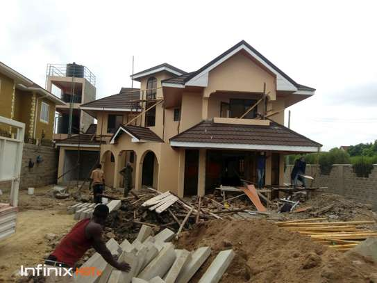 Executive 4 bedroom with dsq all ensuite for sale image 2
