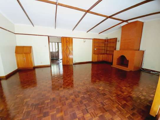 3 bedroom house for rent in Lavington image 9