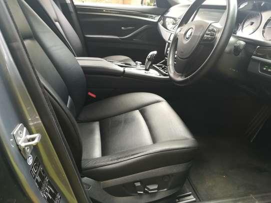 BMW 535i Automatic image 8