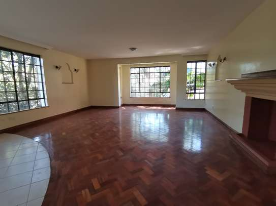 Contemporary 5bedroom townhouse with dsq image 9