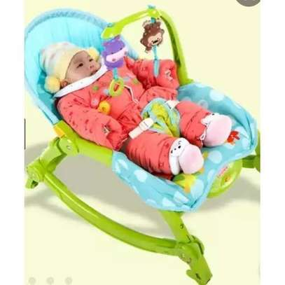 Intelligent baby rocking chair/bouncer with music, vibrations & soft light image 1