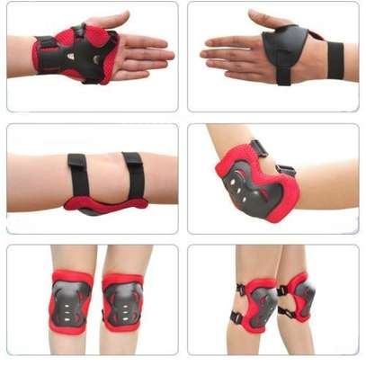 Kids Child Skating Support Protection Gear Set Wrist Guard Elbow Pads Knee Pads- Red image 2