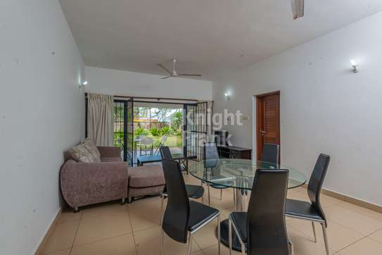 Furnished 3 bedroom apartment for sale in Bamburi image 2