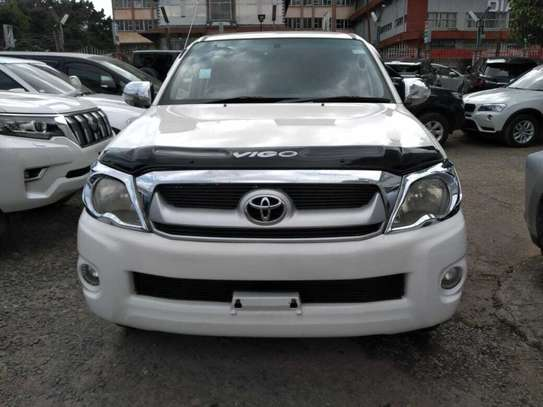 Toyota Hilux image 2
