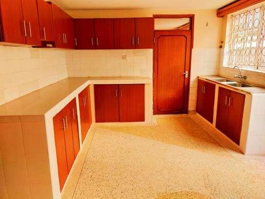 5 bedroom townhouse for rent in Karen image 4