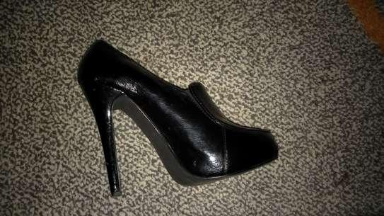 Black faux leather heels image 2