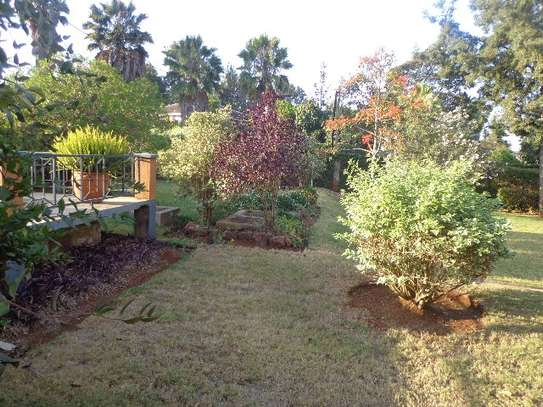 6 bedroom house for rent in Nyari image 3