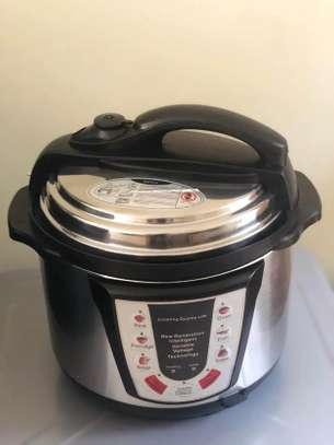 Quality rice cooker and pressure 5 litres,800watts image 1