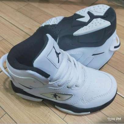 Jordan Make Sports Shoes image 2