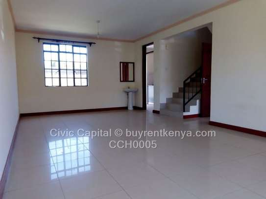 4 bedroom townhouse for rent in Syokimau image 5