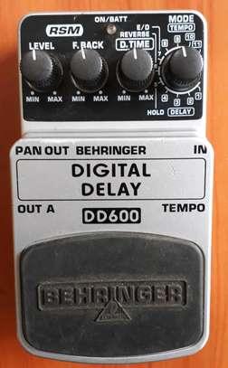 Digital Delay effect pedal image 2