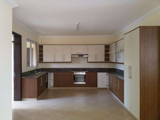 3 bedroom apartment for rent in Kyuna image 7