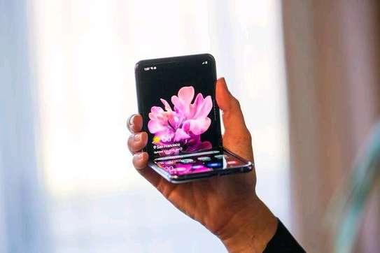 Galaxy Z Flip Used image 1