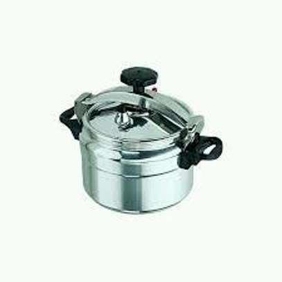Pressure cooker 9 litres image 3