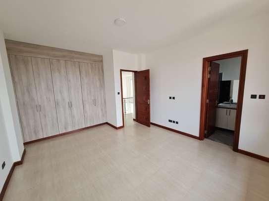 5 bedroom apartment for rent in General Mathenge image 7