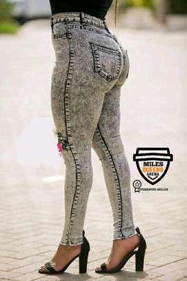 Wash Jeans image 3