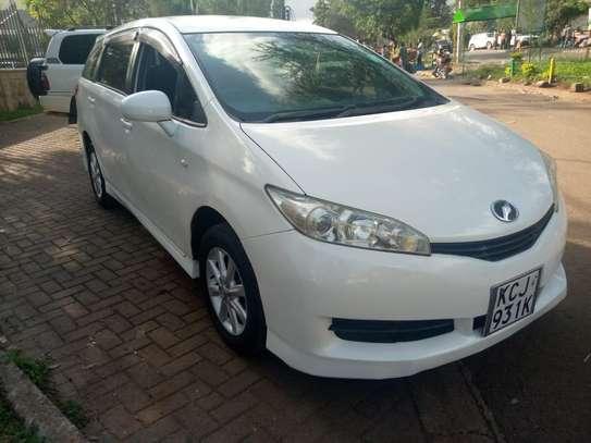 Toyota wish image 1