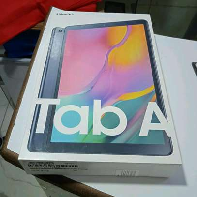 Samsung Tablet 10.1 inch 32gb 2gb ram in shop image 2