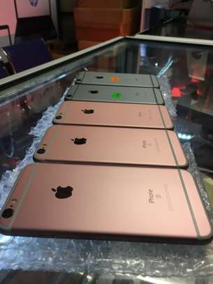 Apple iPhone 6s Easter Holiday Offers image 2
