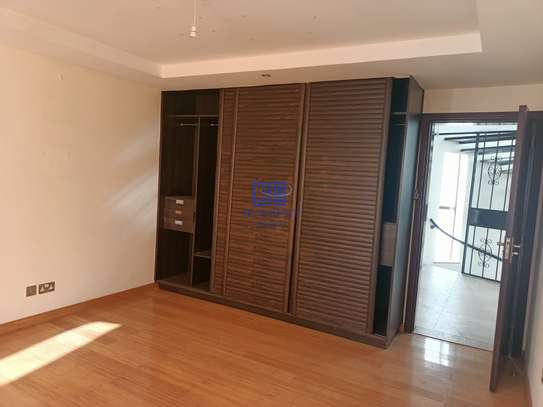 5 bedroom house for rent in Brookside image 12