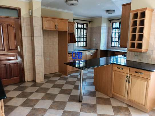 4 bedroom house for rent in Gigiri image 8