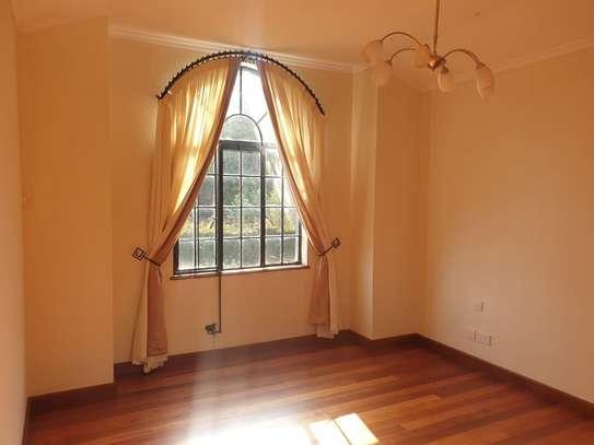 5 bedroom villa for rent in Runda image 6