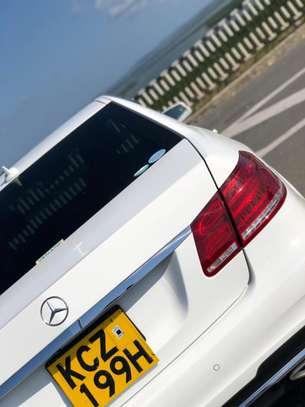 Mercedes Benz E250 image 3
