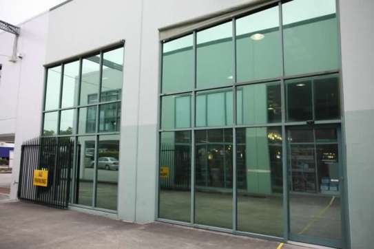 Glass tinting service   Specialist Window Film Fitters - Best Choice Of Designs image 1